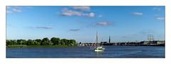 Le port de la Lune (Jean-Louis DUMAS) Tags: landscape paysage panoramique town river boat bateau water ville fleuve garonne rivière bordeaux