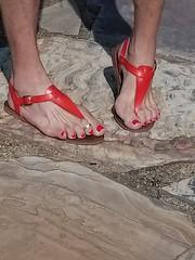 20180722_093231 (2moshoes) Tags: red men sandals nailpolish manglaze man thong backstrap n thongilpolish