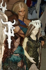 His two moms (chalyss) Tags: argodoll leith tan summerglau iplehouse minimee dim crobidollgline celtic kilt viking hybrid bjd