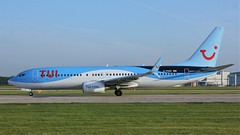G-FDZD (AnDyMHoLdEn) Tags: thomson tui 737 egcc airport manchester manchesterairport 23l