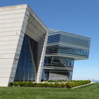 Evanston, IL, Northwestern University, Patrick G. & Shirley W. Ryan Center for the Musical Arts (Architects: Goettsch Partners)