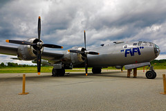 100A9865 (CdnAvSpotter) Tags: fifi b29 superfortress boeing airplane aviation warbird vintage wings gatineau airport cynd ynd canada ottawa commemorative air force caf airpowertour marshallers ground crew bomber