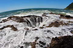 Thor's Well (daveynin) Tags: tidepools cave hole hightide tides waves water ocean pacificocean