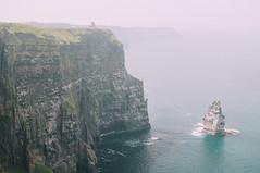 Cliffs of Moher (Yaroshevsky) Tags: d5000 landscape ocean nature nikon d500 35mm sea rocks