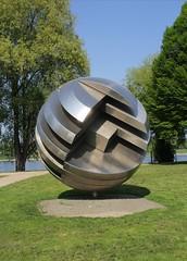 Kugel-Skulptur (two_luckies) Tags: bonn park rheinufer rheinaue riverrhine steel edelstahl kunst art canoneos60d skulptur