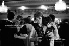 ROSE BALL DORCHESTER HOTEL LONDON 1980S   ENGLAND UK (Homer Sykes) Tags: roseball grosvenorhousehotel 1980s 80s dancing ball dance wealth wealthy upperclass youngadults posh rich people person sloanerangers formal couple britain england uk british english archivestock londonstock britishsociety 1982 myref32a43321982 london gbr