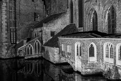 Old St. John's Hospital, Bruges (romanboed) Tags: leica m 240 summilux 50 europe belgium bruges canal availablelight night calm old st johns hospital monochrome bw black white