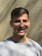 Visual novo (new look), July 2018. (eROV65) Tags: autorretrato haircut homem gay man cortedecabelo igreja church brasil selfie scs er hairdresser verde green winter inverno