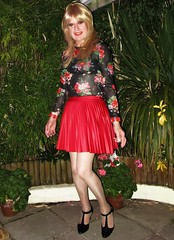 Tropical Backdrop (Amber :-)) Tags: red sunray pleated mini skirt tgirl transvestite crossdressing