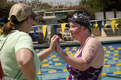 SONC SummerGames18 Tony Contini Photography_1400 (Special Olympics Northern California) Tags: 2018 summergames swimming swimmer athlete femaleathlete water highfive coach femalecoach specialolympics