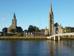 Inverness (SRDemus) Tags: church footbridge griegstreetbridge riverness inverness theoldtallchurch freechurchofscotland