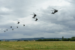 Operation Atlantic Resolve (jcccdimoc) Tags: strongeurope eucom usarmyeurope oar atlanticresolve usareur nato europe illesheim germany 4thcab 4thcombataviationbrigade 4thinfantrydivision gregorysummers 22ndmpad helicopters aviation blackhawk chinook de
