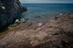 Sugarloaf Cove 20180705-DSC07858 (Rocks and Waters) Tags: greatlakes lakesuperior shore northshore cove sugarloafcove sony a7r2 zeiss batis batis225 rocksandwaters landscape