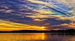 2018_01080 (Bob's Digital Eye) Tags: bobsdigitaleye canon canonefs1855mmf3556isll clouds dusk flicker flickr july2018 laquintaessenza lake lakesunsets lakescape silhouette sky skyscape sun sunset sunsetsoverwater t3i water