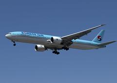 HL8006_777-3B5/ER_KAL_KSEA_5406 (Mike Head -Jetwashphotos) Tags: boeing 777 777300 7773b5er ke kal koreanair sea ksea seatac wa washingtonstate us usa america