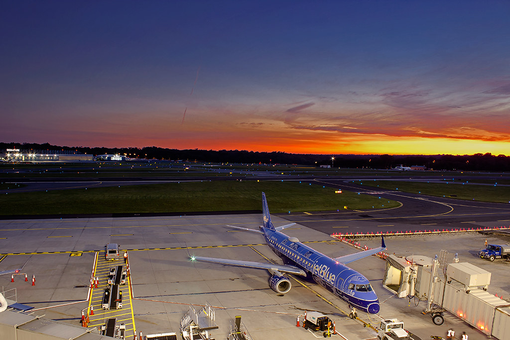 The World's newest photos of jetblue and sunset - Flickr Hive Mind