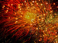 Pow (oybay©) Tags: fireworks chicago illinois navypier fire streaks fourthofjuly july crazy color colors colour colorful dark night pow powerful loud noisy freedom expression scaredanimals explosive