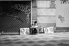 (fernando_gm) Tags: 35mm españa europa street spain madrid monochrome monocromo man monocromatico gente people person persona human hombre humano blackandwhite bw blancoynegro fujifilm fuji f14 europe simplicity portrait retrato airelibre