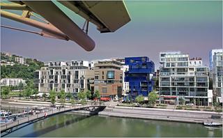 Immeubles et passerelle Florence Arthaud, quai Antoine Riboud, Lyon Confluence, Presqu'Ile, Lyon, France