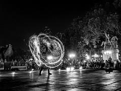 Jouer avec le feu - 5 (Daniel_Hache) Tags: night feu fire paris notredamedeparis nuit flickrchallengegroup