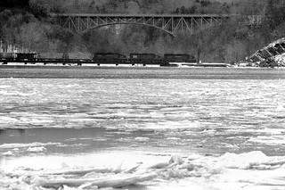 PC SD45, SD45 6157 6151 north bound over Popelopen Traestle, Fort Montgomery NY, Feb 1976
