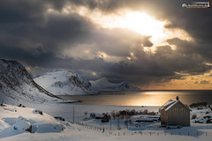 Bay of Haukland (dieLeuchtturms) Tags: schnee norwegen 3x2 nordland meer europa hauklandbeach lofoten atlantik winter vestvågøya bucht europe norge norway sea snow no