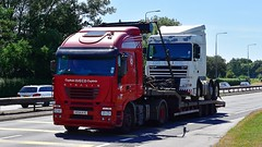 VX54 KYC (Martin's Online Photography) Tags: iveco stralis truck wagon lorry vehicle freight haulage commercial transport a580 leigh lancashire flatbed