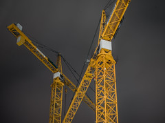 crosshatch cranes (pbo31) Tags: sanfrancisco california nikon d810 color night dark black july 2018 summer boury pbo31 financialdistrictsouth construction site yellow crane pair crossed folsomstreet