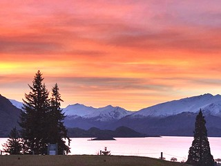 View from the 7th ⛳️ - Lake Wanaka sunset NZ 📷 credit JDS