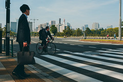 Not-in-a-Rush Hour (benjaminbkuehne) Tags: chiyodaku tōkyōto japan jp street fuji city asia tokyo morning chiyoda minato torii shrine temple fujifilm x100 x100f travel