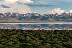 Lac Song-Köl et environs, Kirghizistan (Pascale Jaquet & Olivier Noaillon) Tags: coucherdesoleil montagnes reflets paysage nuages ciel lac neige lacsongköl naryn kirghizistan kgz