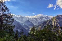 Un affaccio sul Monte Bianco (forastico) Tags: forastico d7100 monte bianco valledaosta lathuile arpy montagna