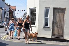 All Canned Up (Bury Gardener) Tags: suffolk street streetcandids streetphotography candid candids strangers snaps people peoplewatching folks england english eastanglia uk britain 2018 nikond7200 nikon