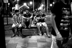 En la plaza (mavricich) Tags: olympus film fomapan foma fomadon originario original vintage viaje venta argentina arte película plaza hito iguazu monocromático gente analógico en la foto