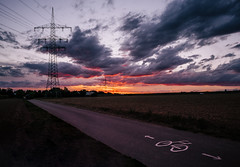 Leading lines (Bastian.K) Tags: himmel zeiss loxia loxia2128 loxia2821 sunset ludwigsburg stuttgart sunrise sonnenuntergang sonnenaufgang burning sky red orange purple leading lines leitlinie composition bicycle