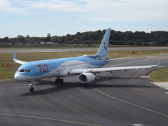 G-OOBH Boeing 757-236(WL) TUI Airways Ltd (Aircaft @ Gloucestershire Airport By James) Tags: luton airport goobh boeing 757236wl tui airways ltd eggw james lloyds
