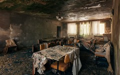Frühstück im Bett (Nils Grudzielski) Tags: abandonedplaces lostplaces urbanexploration decay derelict desolate old hotel