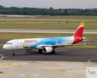 Iberia A321-212 EC-JZM taxiing at DUS/EDDL