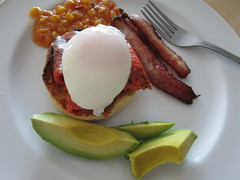 My Delicious Breakfast of Gravlax on English Muffin, Topped with Poached Egg (classic_film) Tags: food comida breakfast gravlax salmon eten egg eggs bacon arizona chandler unitedstates usa dining nourriture nourishment alimentation essen salsa america american city avocado canon meat pork fish