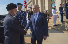 SD meets with Oman's Foreign Affairs Minister Yusuf bin Alawi (Secretary of Defense) Tags: dod departmentofdefense jimmattis jamesmattis dc jim mattis pentagon secdef secretary defense washington chaos bilat omansforeignaffairsministeryusufbinalawi unitedstatesofamerica usa