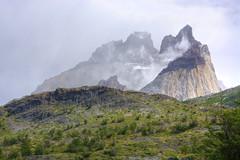 Los Cuernos (Torres del Paine) - Patagonia chilena (Jorge A. Hernández) Tags: landscape chile patagonia cuernos torres paine roca rock granite granito light luz mountain naturaleza paisaje nature clouds nubes