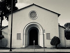 Spanish Colonial-Style Church, Berkeley (Melinda Stuart) Tags: spanish colonial architecture berkeley arch stucco tile city rosewindow grill church