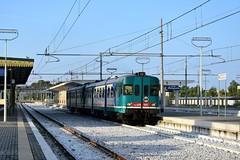ALn 668 1001+ALn 668 1094 (luciano.deruvo) Tags: aln668 littorina micetta fs stazione metaponto regionale trenopasseggeri ferroviedellostato trenitalia