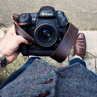 Friday waistcoat vibes with the lovely Nikon D5. Attached to our brown Westminster strap. And showing off a well loved pair of @crockettandjones_official Exmoor shoes.
