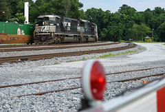 Light 60's (weshendrix) Tags: norfolk southern ns train railfan railfanning railroad railroading rails track crossing gate signal atlanta terminal georgia ga freight intermodal diesel engine locomotive sd60m triclops emd outdoor vehicle gorail