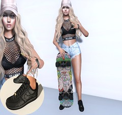 skater girl (Sabrina Rexie) Tags: villena versov secondlife truth hair truthhair egozy maitreya catwa catwaxcatya strawberry signh