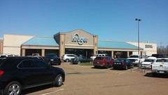 Kroger, Oakland, TN (Retail Retell) Tags: oakland tn kroger millennium décor era store mirror image twin doppelganger reversed carbon copy former hernando ms fayette county retail 2018 remodel fresh local neighborhood flair historical images captions