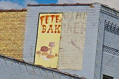 Pete and Joy's Bakery, Little Falls, MN (Robby Virus) Tags: littlefalls minnesota mn pete joys bakery food baked goods sign signage