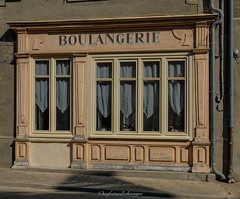 Seconde vie. (steflgs) Tags: deventure boulangerie age boutique
