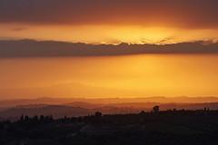 Sun behind clouds (hbothmann) Tags: barberinovaldelsa toskana italien tuscany toscana toskanalandschaft landschaft landscape paesaggio sonnenuntergang sunset tramonto abendstimmung abendlicht sonnar13518za